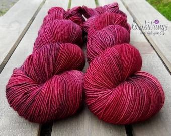 Sadie Sock HT 100g, Hand dyed yarn, Superwash merino wool, Single ply, 400 yds: Rosario.