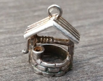 Silver Wishing Well Charm - Vintage Bracelet Charm/Pendant, Good Luck