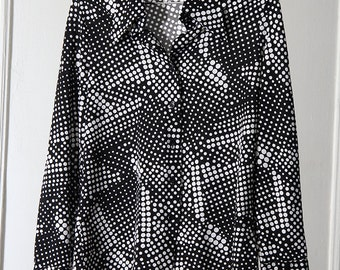 Graphic Black and White Abstract Halftone Print Button-Up Shirt