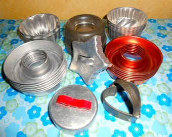 Large Lot Of 25 Assorted Vintage Cookie Cutters/ Tins/ Jello Molds/Donut Shaped/