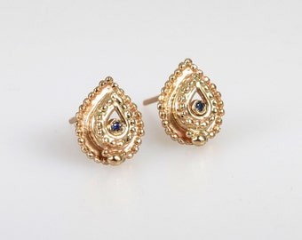Gold earrings - 14kt gold earrings - ear studs - Zakir - blue sapphire - gold jewelry - solid gold - special jewelry