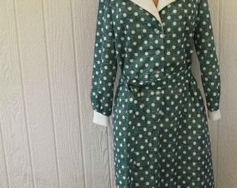 vintage dress, green w white polka dots, white collar & cuffs, self belt, 1970's