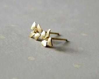 Flower Studs - Flower Earrings - Gold Stud Earrings - Minimal Earrings - Simple Earrings Stud - Tiny Studs - Floral Earrings - Gift For Her