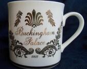 Vintage Buckingham Palace mug - 1993 - EUC w/ original box - England - British history - Queen - Royals - ivory w/ decorative gold