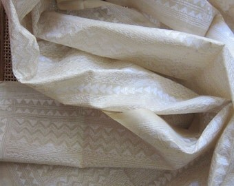 Kantha -- Ivory tussar and white waves and arows - #2