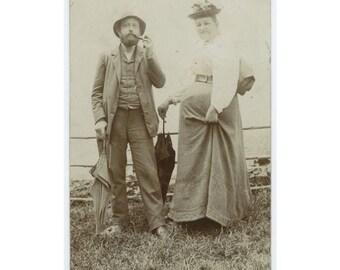 Couple, Vienna [Wien] 1902 RPPC Snapshot Photo (59413)