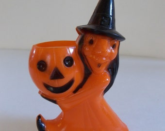 Vintage candy container witch halloween , pumpkin black witch, 1950 rosbro R.I.