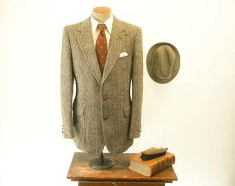 Mens Vintage André Villard Winter Sport Coat Brown Herringbone Pure New Wool Tweed Suit Jacket Style Mens Winter Coat - Size 42 (LARGE)