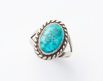 REDUCED was 110 now 85 beautiful VINTAGE 70s silver & turquoise delicate filigree Native American style ring