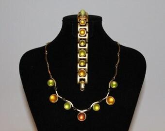 1960s Mod Green Jelly Bubble Necklace Bracelet Set