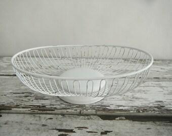 Vintage Wire Bread Basket. In Chic White