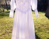 vintage wedding dress / long sleeve dress / Jessica McClintock dress / Size Small Dress / boho wedding dress /  1970s 70s white dress