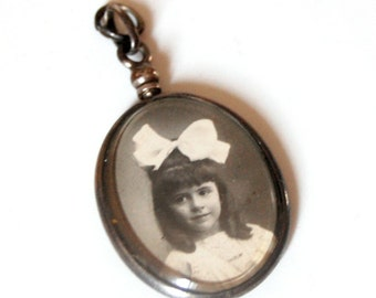 Vintage medallion pendant portrait, oval , rolled platinum