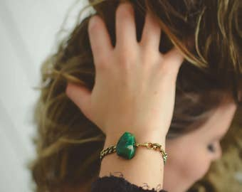 J A D E D - Green Jade & Brass Chain Bracelet - Spark And Thistle