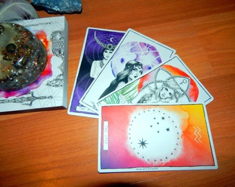 5 CARD ANY TOPIC or 1 Question Tarot Card Reading using Lumina Tarot