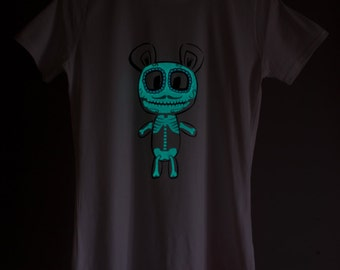 Violet Candy Skull Glow-in-the-dark Woman T-shirt