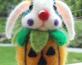 HALLOWEEN CLOWN Bunny - Needle Felted - Halloween - Pumpkin - Clown - Jack O Lantern - Autumn - Holiday