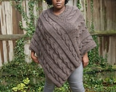 Fuller Woman Chunky Knit  Poncho in Barley/Knitted Poncho/Women Poncho READY TO SHIP