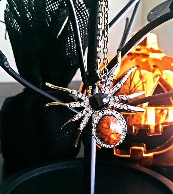 Halloween Jewelry, Spider Necklace, Goth Jewelry, Halloween Necklace, Spider Jewelry, Gift Ideas, Gifts For Her, Gifts For Teachers, Gothic