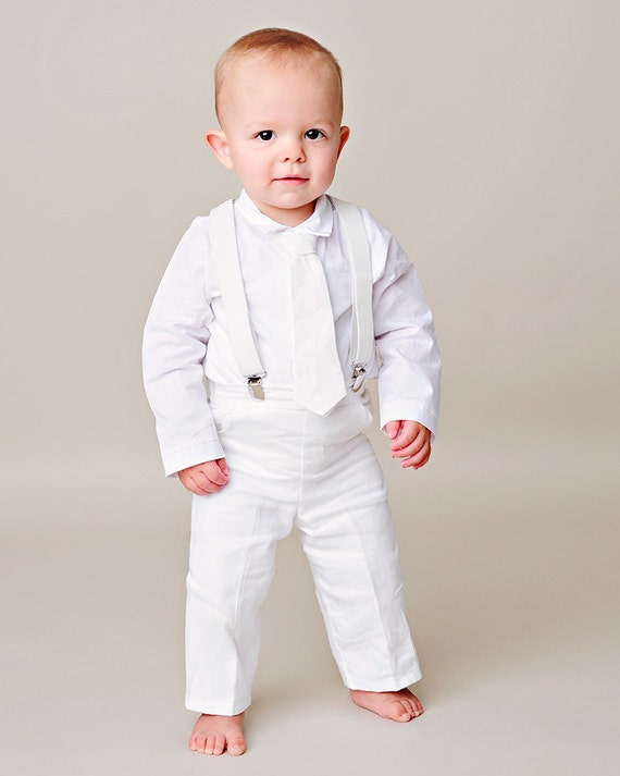 Boys Knickers Suits are a vintage formal look that is perfect for a wedding, Easter, or any formal event. Our boys knicker suit sets come complete with knicker pants, matching boys suspenders, boys dress shirt, boys bow tie. and a boys hat.