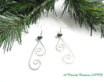 Wire Work Earrings / Silver Wirework Earrings / Wire Earrings with a Hematite Heart