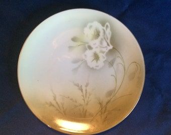 Lovely green plate with daffodils - RS Germany