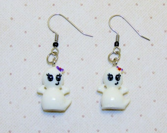 Adorable Big Eyed Ghost Earrings With Hair Bow, Ghost Earrings/Jewelry, Halloween Earrings/Jewelry, Fun Earrings/Jewelry