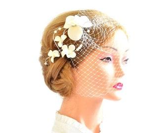 Birdcage veil headband Bridal veil fascinator Simple fascinator with veil Bridal headpiece Head piece  White fascinator Flower headpiece