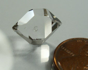 authentic HERKIMER DIAMOND, 7.08 carats natural water-clear double terminated crystal, Herkimer County, NY
