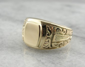 Stunning Antique Signet Ring with Scrolling Motif 12FEW1-N