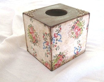 Bright floral  kleenex box cover  , vintage style square wooden  tissue  box cover  , decoupage box  for  bedroom decor