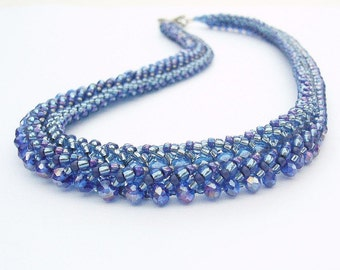 Distinctive chain in Royal Blue