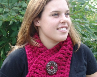 READY TO SHIP: Chunky Crochet Short Cowl Scarf with Big Wood Button - Wool Blend Short Scarf, Neck Warmer, Big Button Scarf #EtsyGifts
