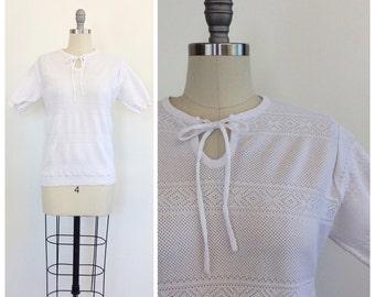 70s White Leslie Fay Polyester Knit Blouse / 1970s Vintage Eyelet / Pointelle Short Sleeve Pull Over Sweater / Medium / Size 8