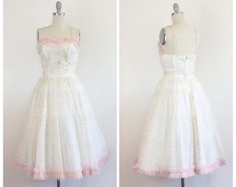 50s White Fred Perllerg Fir and Flare Party Dress / 1950s Vintage Floral Embellished Cupcake / Prom Dress With Pink Velvet Bows / Small