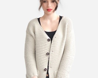 Chunky Knit Cardigan with Wooden Buttons, Side Pocket Cardigan, Hand Knit Oversized Cardigan, Buttoned Sweater, Wool Vest