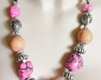 Necklace - pretty marbled plastic beaded necklace pink pebble shaped beads