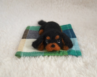 READY TO SHIP/ Needle Felted / Cavalier King Charles Spaniel / mini black and tan 02