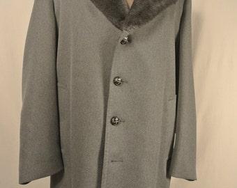 London Fog Gray Overcoat Men's Size: 44R