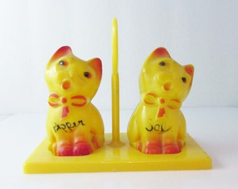 Yellow Kitschy Cats Salt & Pepper Set On Stand Plastic 1960s
