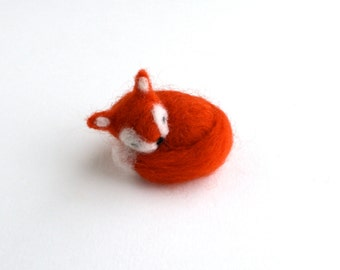 DIY Kit - Sleeping Fox Needle Felting Kit - Needle Felted Animal Kit