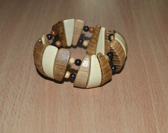 Natural wood bracelet. Wood beads stretch bracelet. Eco bracelet.