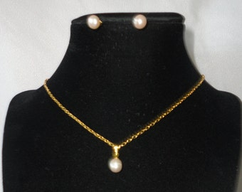 Fresh Water Pearls Gold Plated Chain set.***