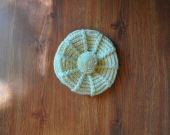 60s cream newsboy cap / 1960s acrylic crochet hat / chunky knit gavroche hat
