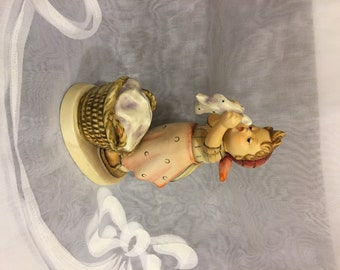 Goebel Hummel WASH DAY ~ TMK 4  Figurine #321 Made in Germany from 1960s