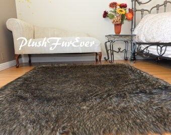 """60"""" 72"""" 84"""" Black Tip Wolf Exotic Lodge Cabin Decor Rectangle Area Rug Plush Faux Fur Animal Friendly Made in USA"""