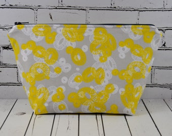 Floral Cosmetic Bag, Flower Zip Pouch Make Up Bag, Grey and Yellow Flowers