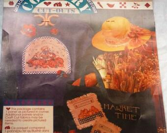 """DAISY KINGDOM No-Sew Fabric Applique  """"Pumpkin Pie"""""""