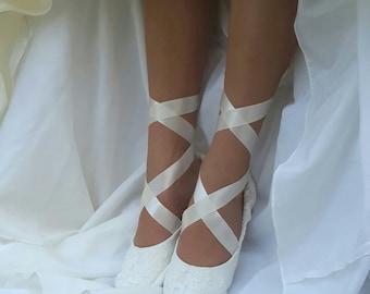Lace Ballerina Style Bridal Shoe, Ivory Lace Flat Wedding Shoe, Lace Bridal Flat Shoe,Ivory Bridal Flat,Cream Bridal Shoe,Off White Slipper