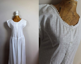 Cute broderie anglaise dress size 12 white vintage 1980s